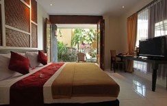 hotel-in-sanur-bali-double-bed-deluxe-room