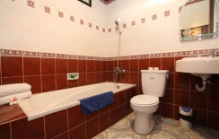 bath room of superior room
